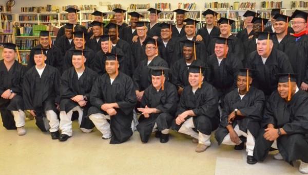 darrington-graduates-2015-wrcrop